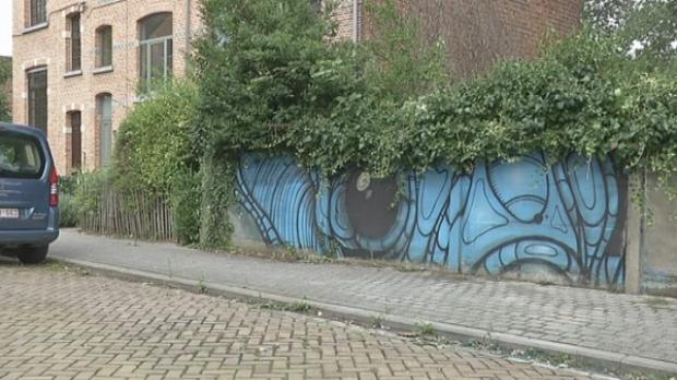 Stad verwijdert per ongeluk kunstwerk stadsartiest rtv for Staalbouw weelde