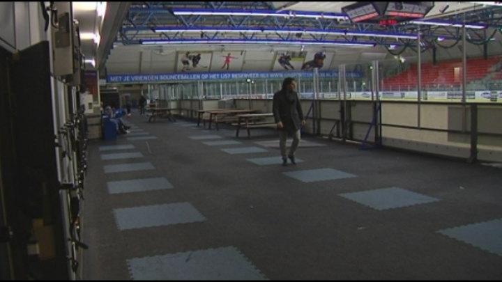 Vechtpartijen ontsieren ijshockeymatch