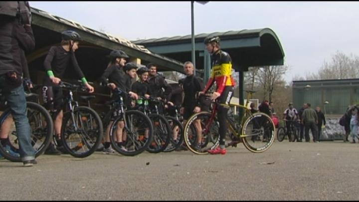 Tongels bos fietst Ventoux op met Toon Aerts