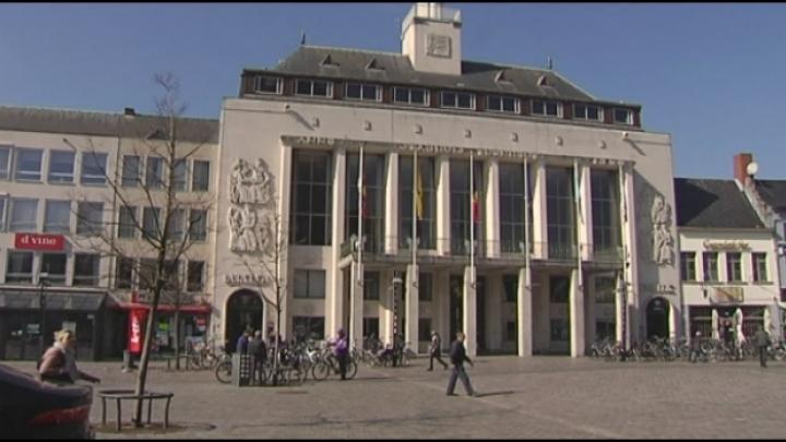 Vlaams Belang wil politiekantoor op markt Turnhout langer open