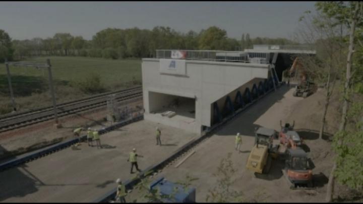 Werken inschuiven fietstunnel onder R14 in Geel liggen vóór op schema
