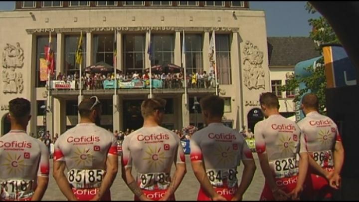Massa wielerfans voor start Heistse Pijl in Turnhout