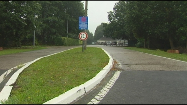 Noodtenten voor extra plaatsen in asielcentrum Arendonk
