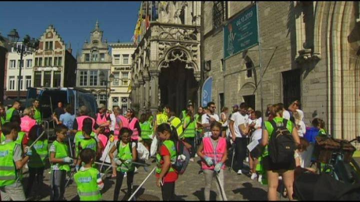 Mechelaars maken straten schoon op World Cleanup Day