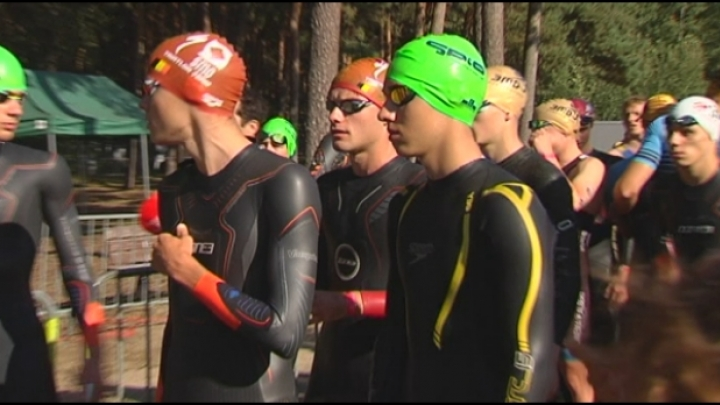 Aflossingtriatlon in Lille in nazomerse omstandigheden