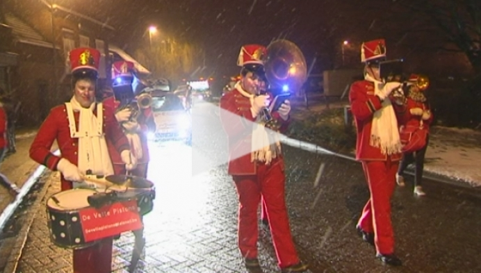Kerstparade lokt duizenden toeschouwers