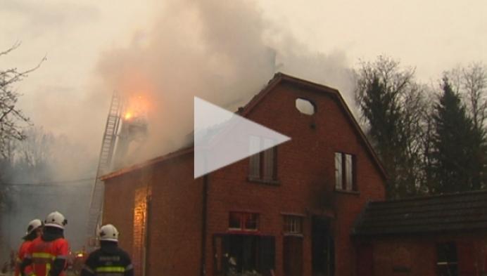 Huis Frits en Franky uitgebrand