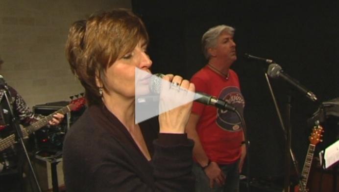 Band 'Mary and the girl' repeteert voor reünie-optreden 20 jaar na afscheid