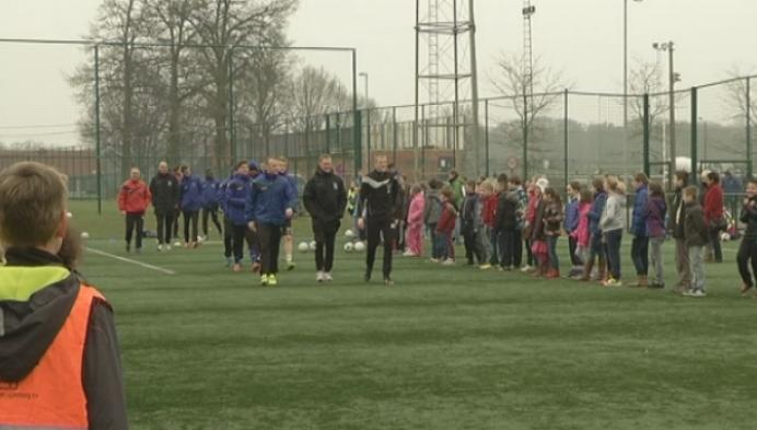 Profs van KVC Westerlo geven voetballes