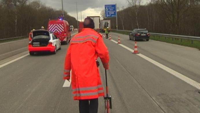 Ongeval op E313 in Herentals in staart van file tot Kruibeke