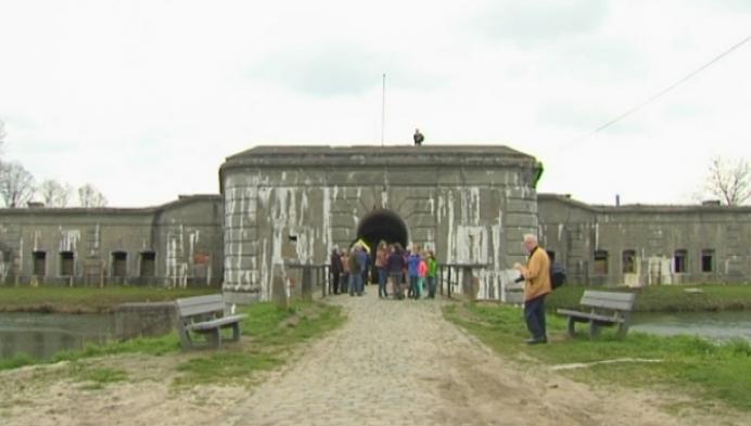 Wekelijkse herdenking aan fort van Kessel