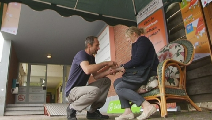 Oxfam zet tattoo's tegen oneerlijke handel