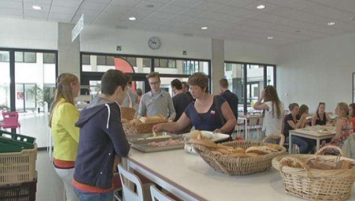 Thomas More geeft gratis ontbijt voor fietsers