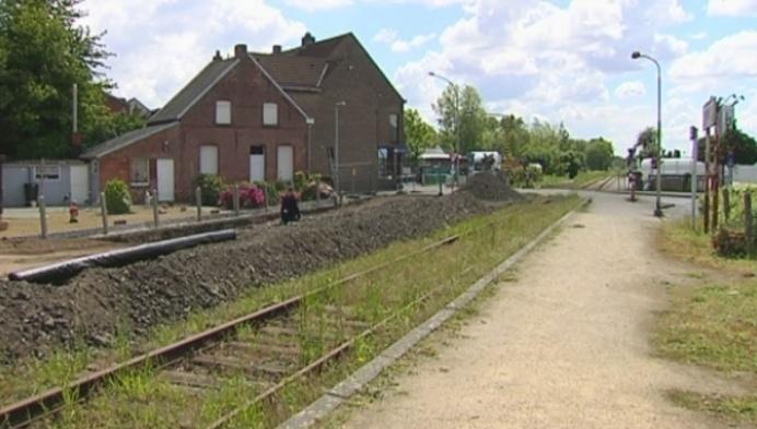 Puurs en Sint-Amands willen spoorlijn 52 weer open.