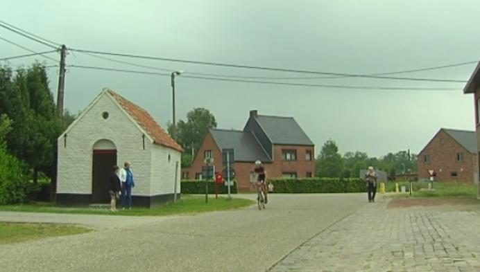 Varendonk heeft kleinste gemeentehuis ter wereld