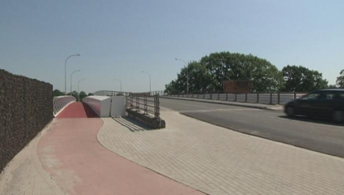 Nieuwe fietsbrug Arendonk officieel open