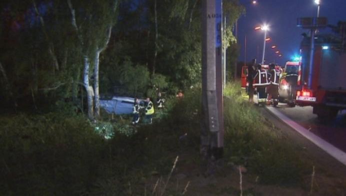 Bestuurder zit 2 uur vast in voertuig na zwaar ongeval in Puurs