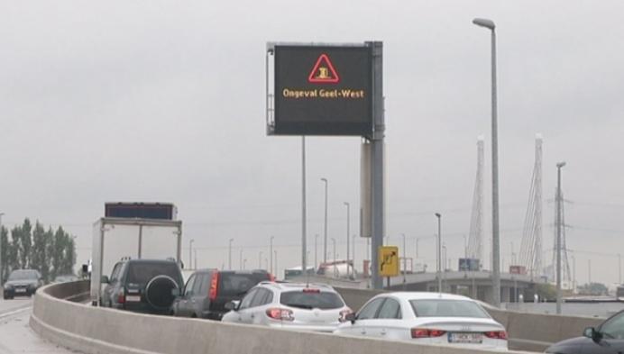 Ongeval E313 veroorzaakt de hele dag verkeershinder