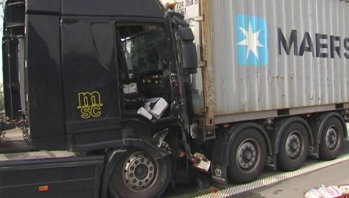 Alweer zwaar ongeval met vrachtwagens op E313