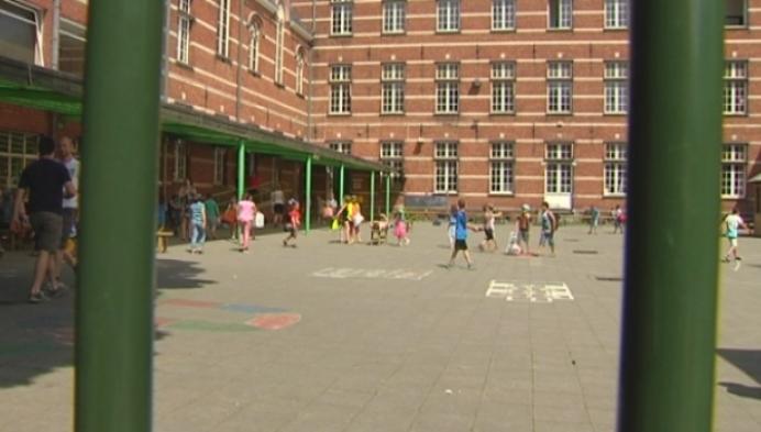 Leerlingen verhuizen voor restauratie beschermde school
