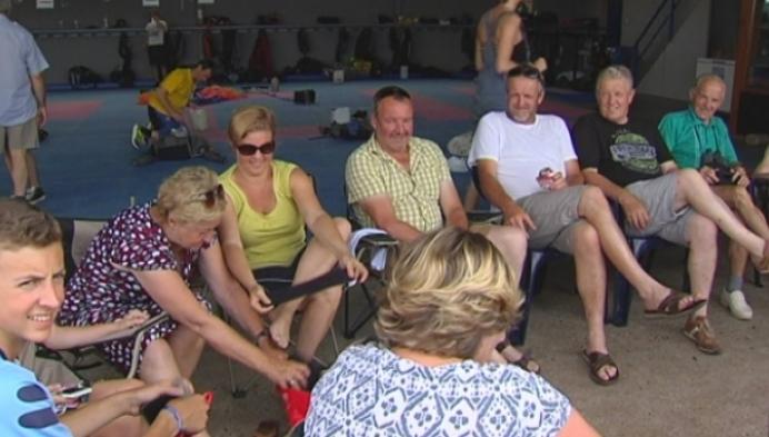 Vier generaties uit Retie gaan samen skydiven