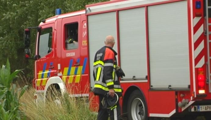 Uitslaande brand in onbewoonde boerderij in Lier
