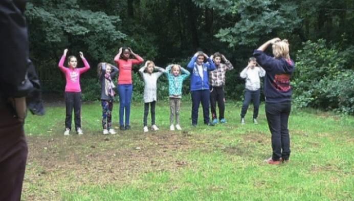 Kinderen leren spelenderwijs Nederlands