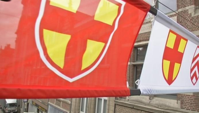 Vlaggen kondigen Sint-Gummarusfeesten aan