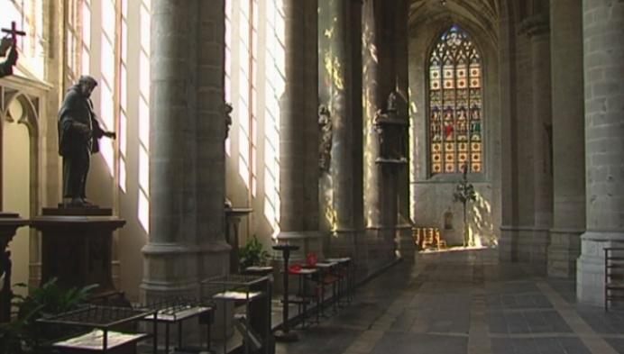 Sint-Gummaruskerk in Lier weer iets vollediger