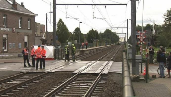 16-jarig meisje gegrepen door trein in Berlaar