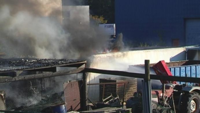 Grote schade na brand houtverwerkingsbedrijf