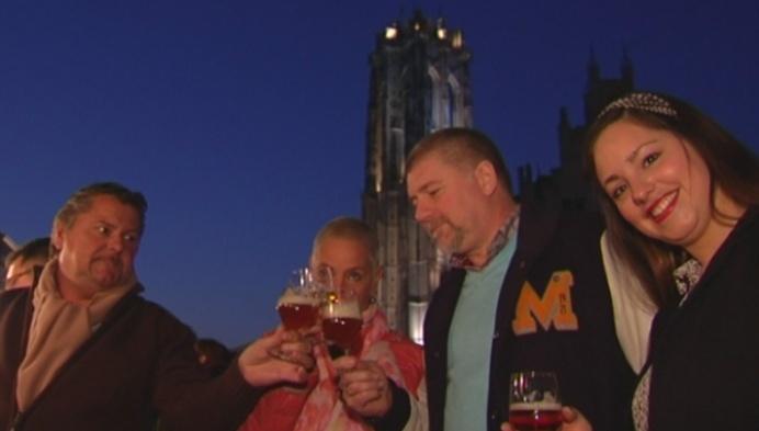 Vrouwen aan het bier in Mechelen