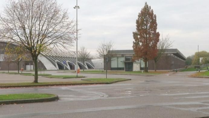 Mechelen vangt extra vluchtelingen op in loods Nekkerhal