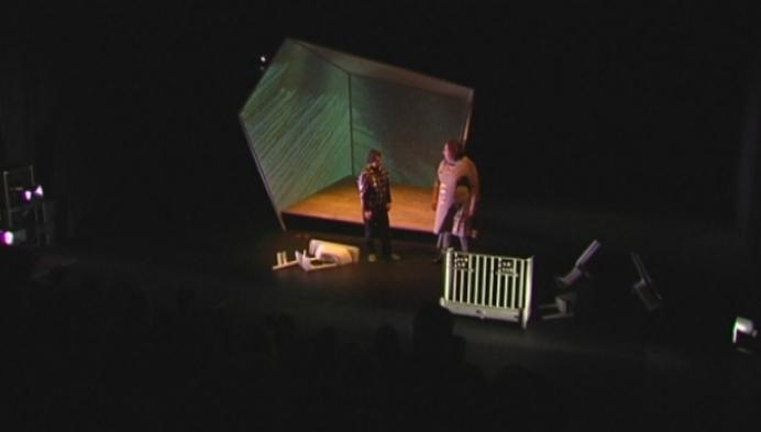 Het Gevolg en Theater Stap samen op de planken