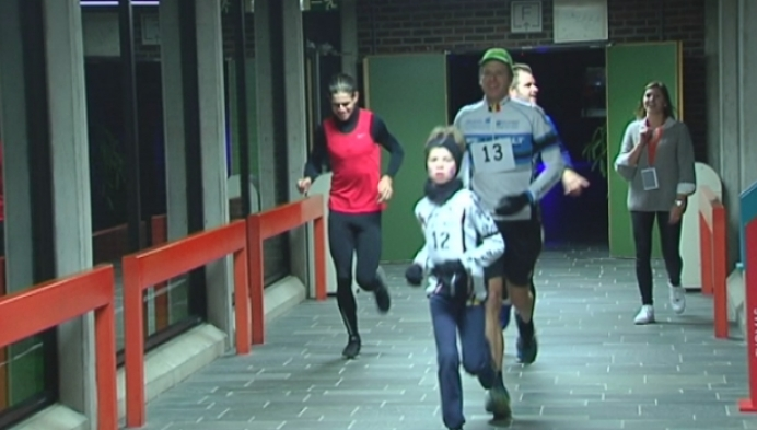 Wout Van Aert loopt mee in Urban Run