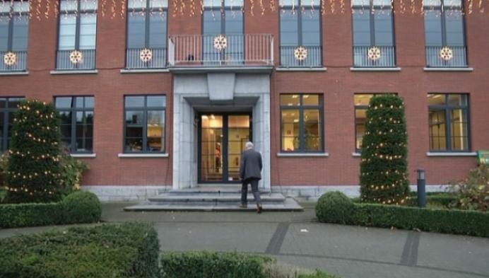 Grobbendonkse burgemeester geeft de sjerp door