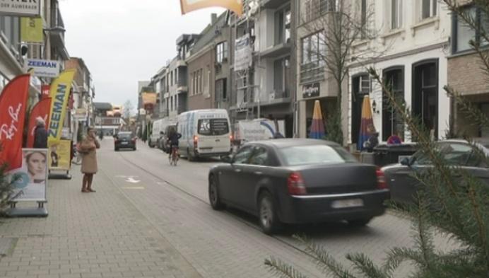 Handelaars Bornem ergeren zich aan busjes van bouwvakkers