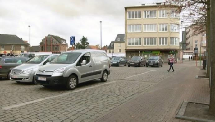 Parkeerplaatsen Rondplein nog onduidelijk voor automobilisten