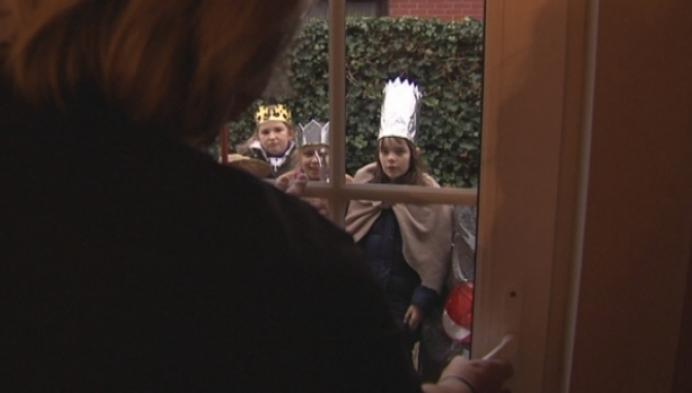 Leerlingen houden traditie Driekoningen levend in Blaasveld
