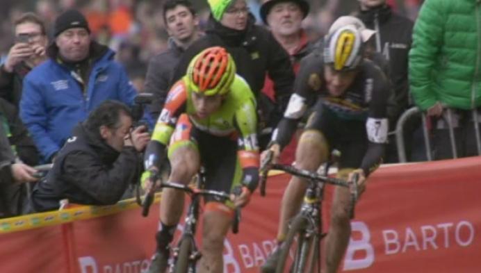 Wout Van Aert emotioneel na zijn eerste Belgische titel