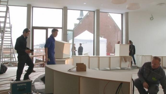 Leerlingen maken meubels voor nieuw gemeentehuis Nijlen