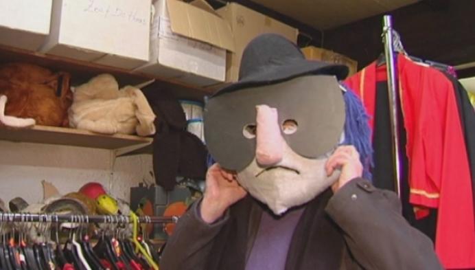 Geen maskers op verkleed bal na Peer Stoet