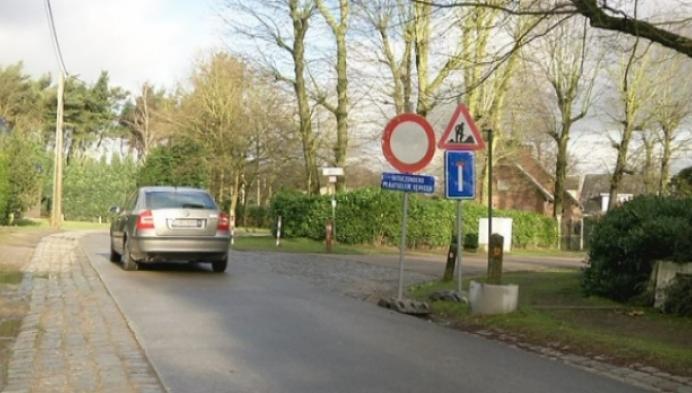 Sluipverkeer blijft door doodlopende straat rijden