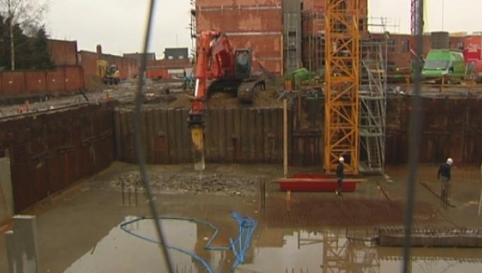 Betonnen kelder appartementsblok moet weer uitgebroken worden