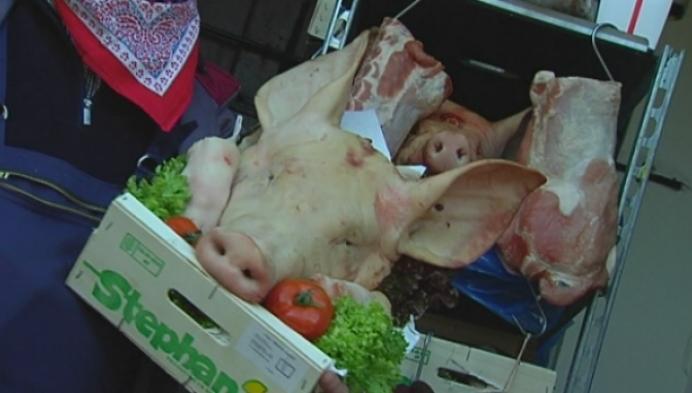 Sint-Antonius wordt in Koningshooikt gevierd met varkenskoppenverkoop