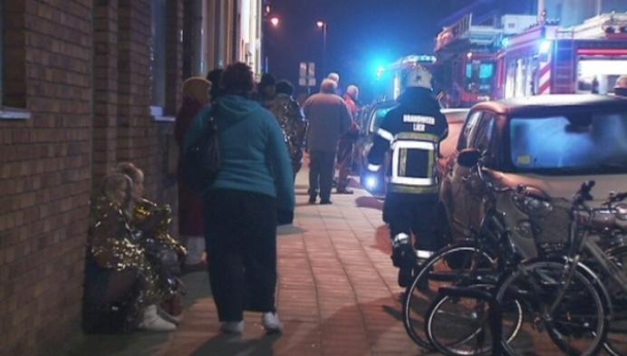 Bewoners geëvacueerd na brand in stoffenzaak
