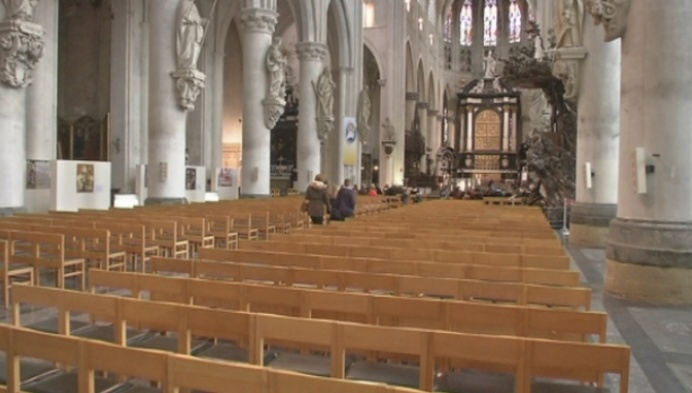 Lage opkomst op Aswoensdag in Sint-Romboutskathedraal