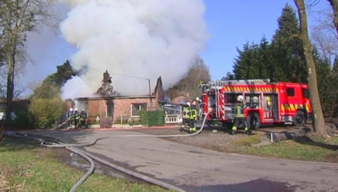 Woning brandt volledig uit in Hulshout