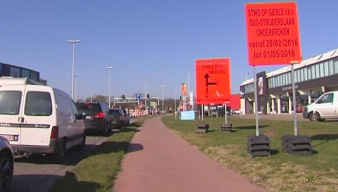 Steenweg op Gierle in Turnhout onderbroken