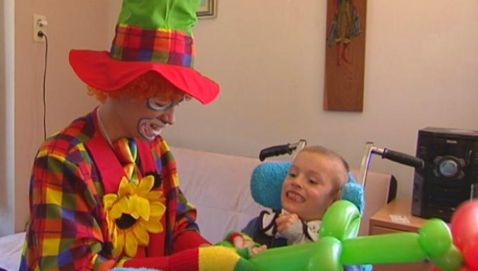 Kenneth Hoefkens zoekt centjes voor verjaardagsfeest gehandicapte broer en zus